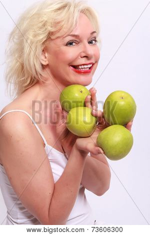 Woman offers to apples