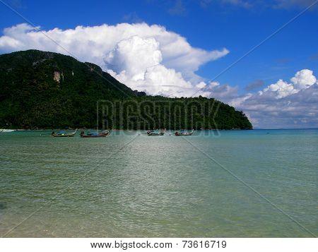 Loh Dalam Bay By Day, Phi Phi Island Thailand