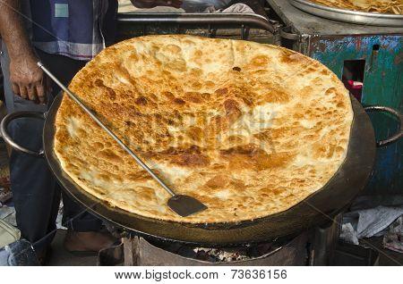 Big Pankake Chapatti Bread In Mumbai Bombay Market