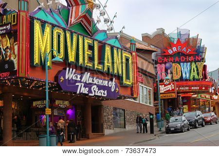 Clifton Hill, Niagara Falls Attractions