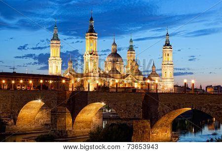 Basilica Del Pilar in Zaragoza in night