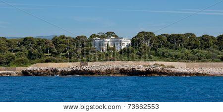 Antibes - Luxury Villa On The Shores Of The Mediterranean Sea