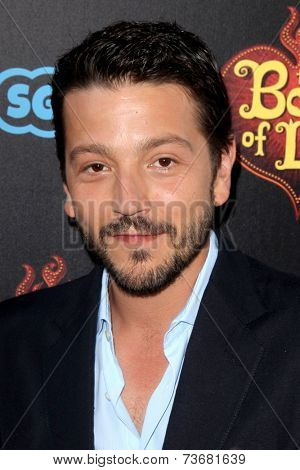 LOS ANGELES - OCT 12:  Diego Luna at the