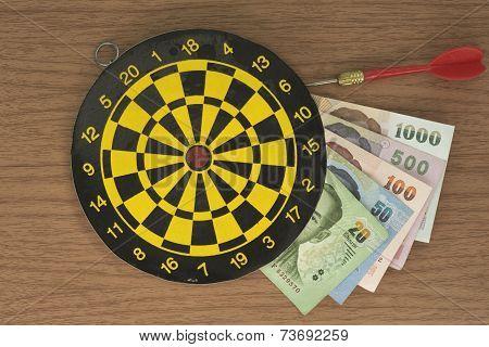 Dart target and Money