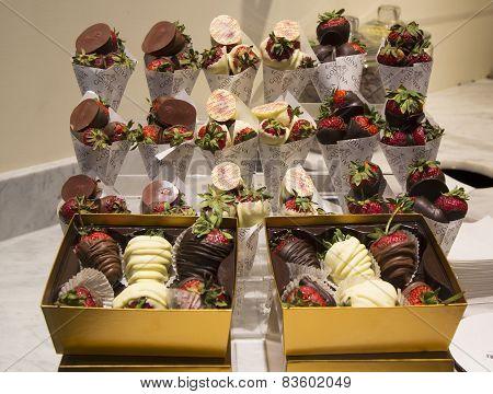 Milk and Dark Chocolate Dipped Strawberries by Godiva