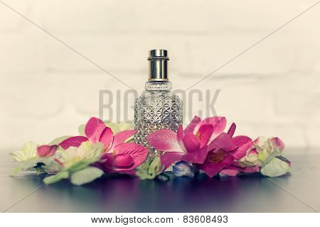 Gift A Bottle Of Perfume On Valentine's Day