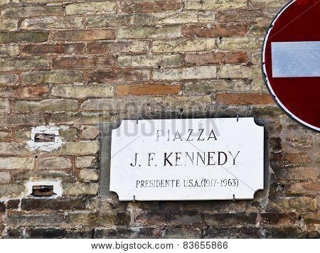 Ravenna Piazza Kennedy