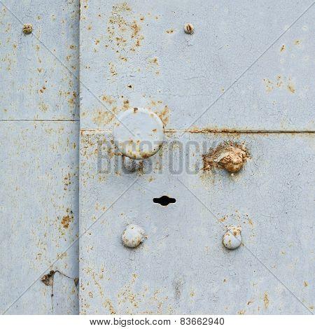 Metal door fragment