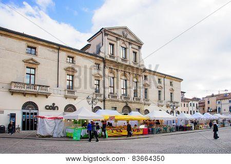 Piazza Del Castello, Vicenza