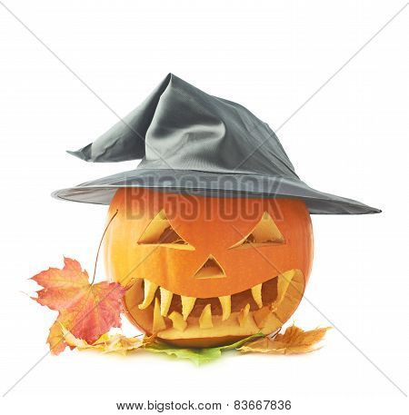 Jack-o'-lanterns pumpkin in a hat