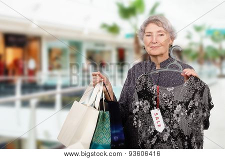 Shopping old woman