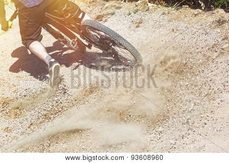 Mountain Bike Rider Graviti Slope Light Leaks