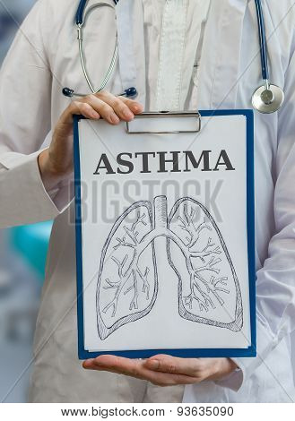 Doctor Holds Clipboard With Asthma Diagnosis And Lungs Drawing