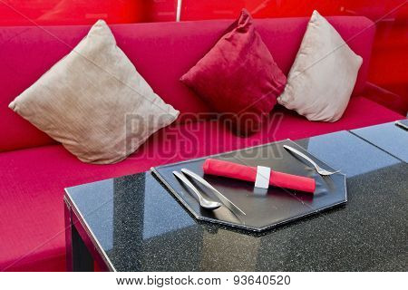 Dine Table Setting