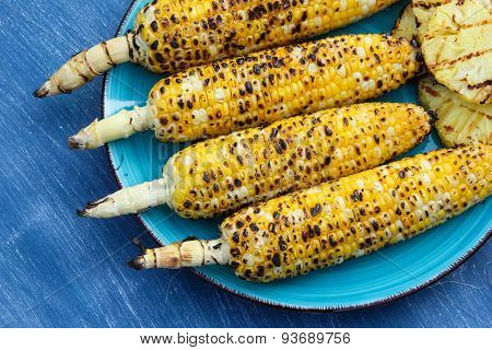 Grilled sweetcorn with butter and salt