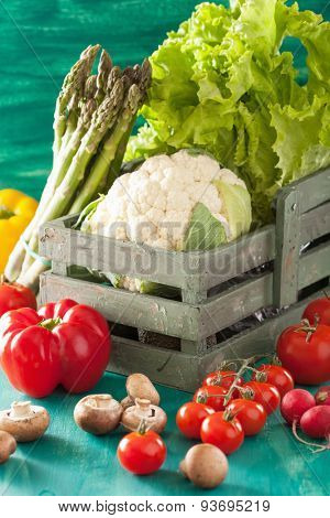 vegetables tomato pepper onion cauliflower lettuce
