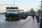 pic of sankt-peterburg  - Landscape with the image of Neva River in St - JPG