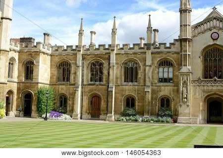 CAMBRIDGE, UK - SEPTEMBER 1, 2016: Courtyard of the Corpus Christi College, Is one of the ancient colleges in the University of Cambridge founded in 1352.