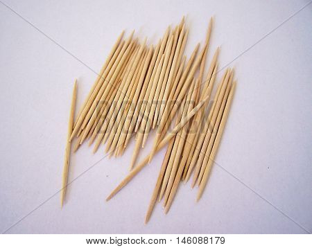 Set of several toothpicks (made of wood)