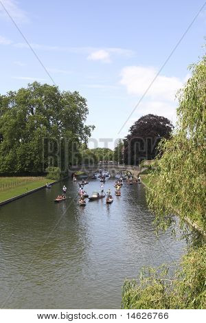 Rush Hour On The River Cam In Cambridge In Summertime