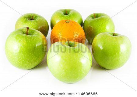 six apples and orange
