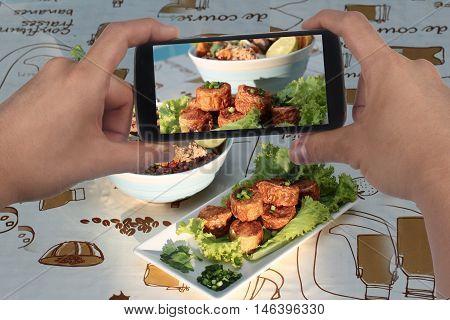 Take photo Shrimp shellfish main to share.Selective focus.