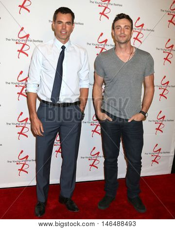 LOS ANGELES - SEP 8:  Jason Thompson, Daniel Goddard at the Young and The Resltless 11,000 Show Celebration at the CBS Television City on September 8, 2016 in Los Angeles, CA