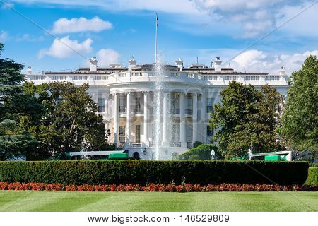 The White House in Washington D.C. on a beautiful summer day