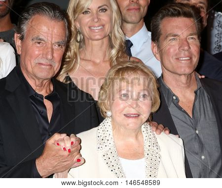 LOS ANGELES - SEP 8:  Eric Braeden, Eileen Davidson, Lee Bell, Peter Bergman at the Young and The Resltless 11,000 Show Celebration at the CBS Television City on September 8, 2016 in Los Angeles, CA