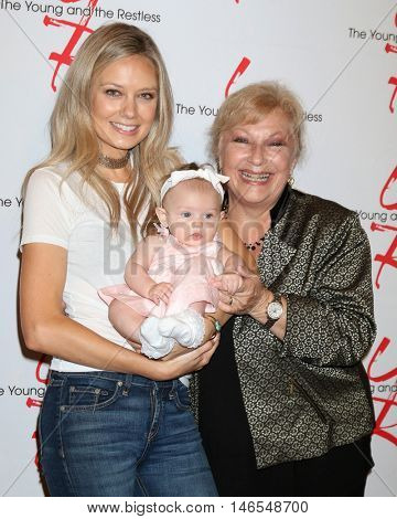 LOS ANGELES - SEP 8:  Melissa Ordway, Olivia Christine Gaston, Beth Maitland at the Young and The Resltless 11,000 Show Celebration at the CBS Television City on September 8, 2016 in Los Angeles, CA