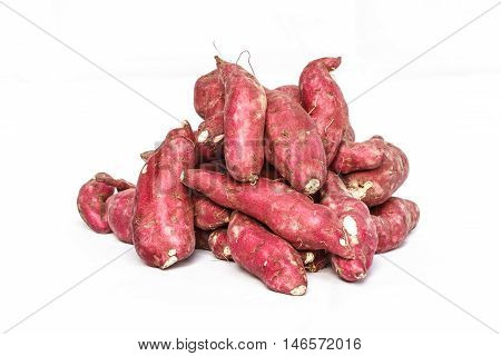 Red sweet potatoes (yams) in bulk at the farmers market