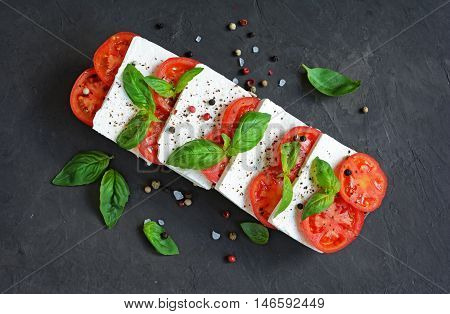 Caprese Salad With Spices