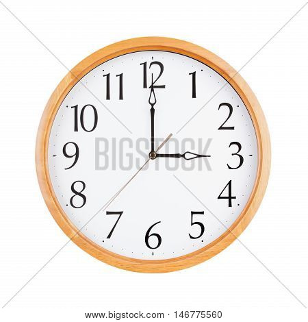Exactly three o'clock on a round dial