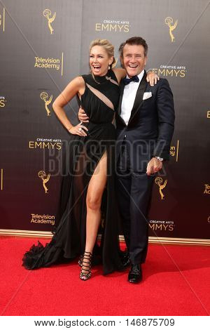 LOS ANGELES - SEP 11:  Kym Johnson, Robert Herjavec at the 2016 Primetime Creative Emmy Awards - Day 2 - Arrivals at the Microsoft Theater on September 11, 2016 in Los Angeles, CA