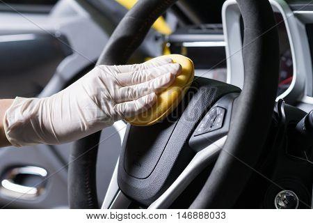 Car detailing series : Cleaning car steering wheel