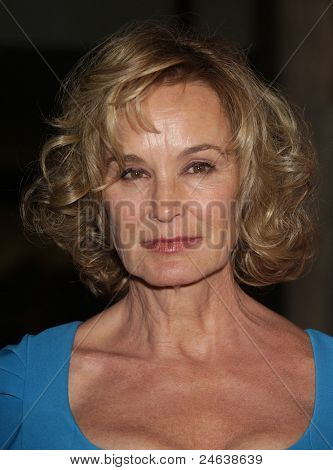 LOS ANGELES - JAN 16:  Jessica Lange arrives to the