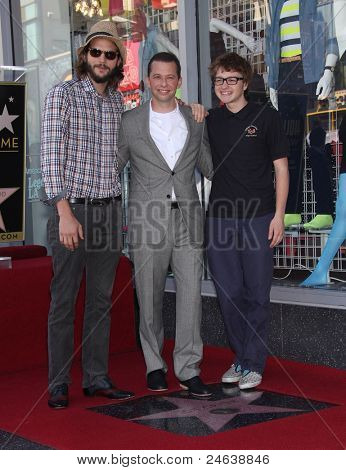 LOS ANGELES - SEP 18:  Ashton Kutcher,  Jon Cryer & Angus Jones arrives to the Walk of Fame - JON CRYER  on September 27,2011 in Hollywood, CA