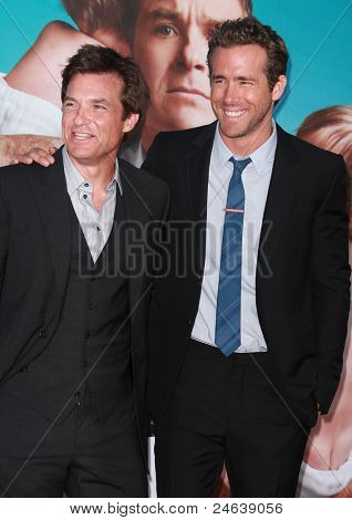 LOS ANGELES - AUG 01:  Jason Bateman & Ryan Reynolds arrives to the