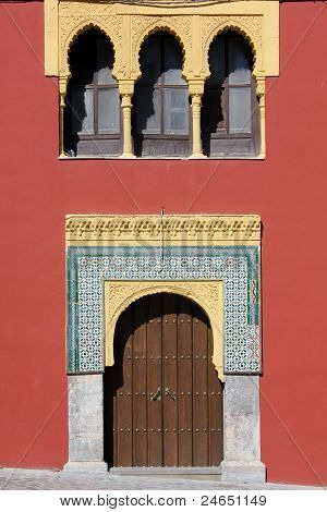 Front of Islamic motifs in Cordoba