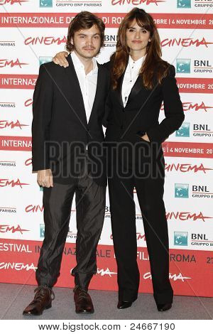 ROME - OCT 26: Emile Hirsch and actress Penelope Cruz attend a photocall during the 6th International Rome Film Festival on October 26, 2011 in Rome, Italy