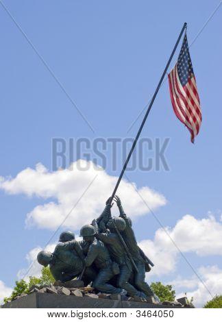 Iwo Jima Memorial Statue