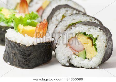 Rolos de Sushi japonês