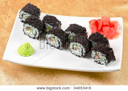 sushi roll with tuna, avacado