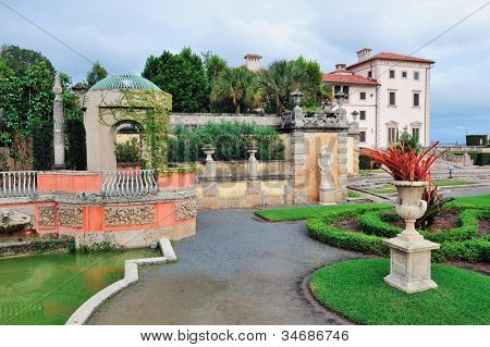 Miami Vizcaya museum garden view
