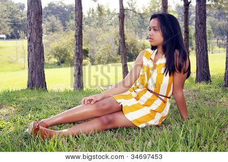 Linda Teen Latina al aire libre