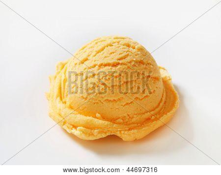 vanilla ice cream scoop