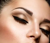 picture of eyebrows  - Eye Makeup - JPG