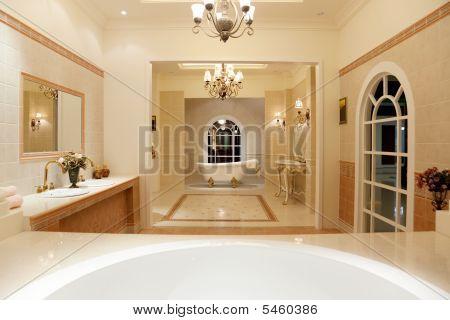 Luxus Master Badezimmer