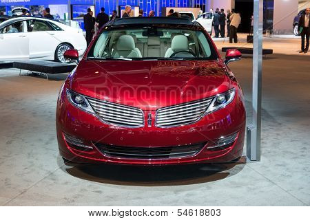 Lincoln Mkz Car On Display At The La Auto Show.