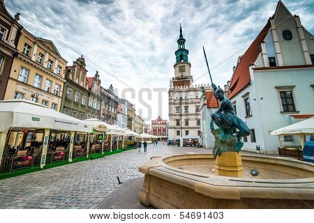 POZNAN, POLAND - AUGUST 21: The central square on August 21, 2013 in Poznan, Poland. Currently, Old Market is the center of tourism Poznan and the most beautiful part of the city.